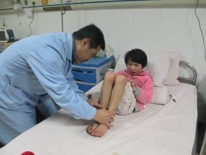 西安市儿童医院接诊了一名8岁的先天性髋关节