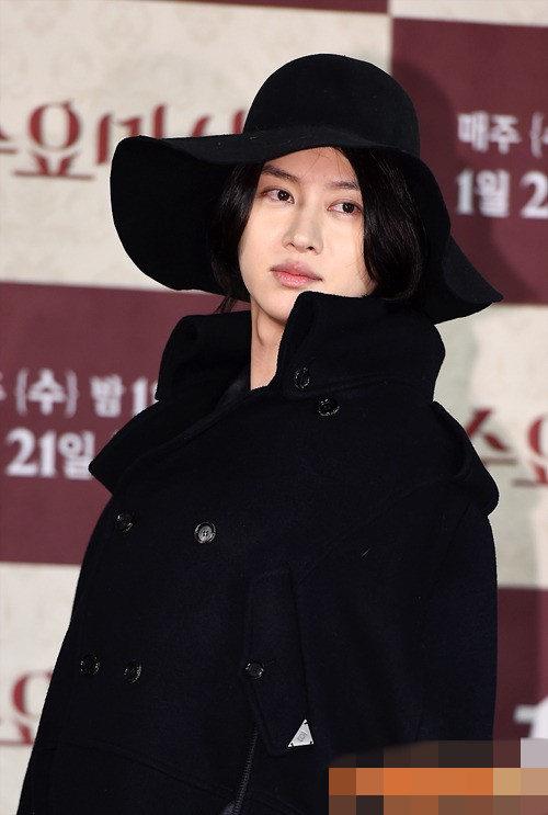 super junior希澈出演美食综艺 黑色斗篷现身显