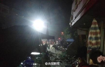 广西一大排档爆炸致6死17伤现场