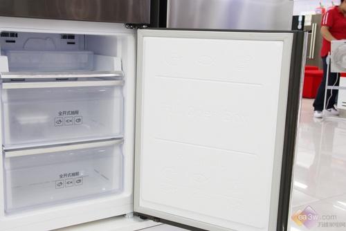 上市即热销 三星高端三门冰箱销量火爆