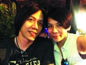 35岁江美琪闪婚与吉他手男友去年相识(图)
