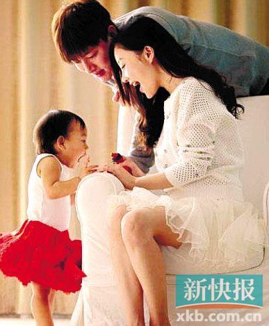 贾乃亮因食品安全困扰:到底得给女儿喝什么(图)