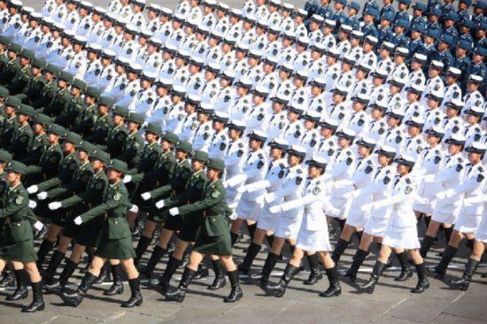 图说:中国女兵方队