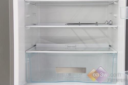 无需解冻一刀切 海尔两门冰箱卖场热销