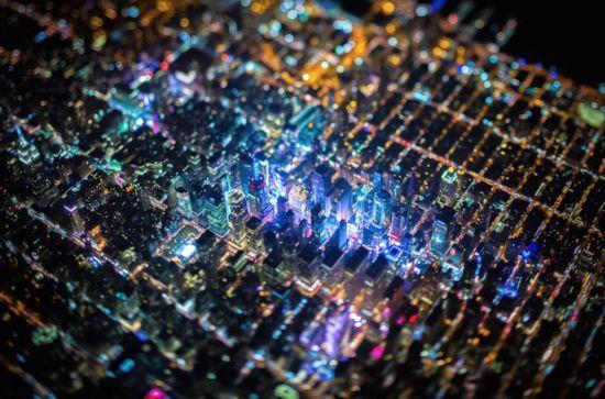 """摄影师拍摄纽约绝美""""电路板""""夜景"""