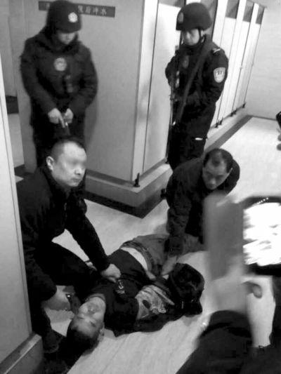 河南灵宝持枪抢劫金店案告破_犯罪嫌疑人在贵州落网