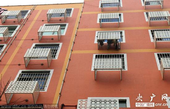 百姓說,其實很多地方永遠都不會安裝空調,因為裡面是走廊。