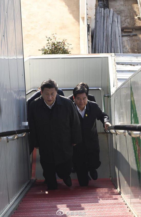 习近平考察昆明火车南站 要求确保工程质量