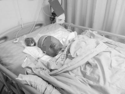 公公儿媳孙女坐三轮车遇车祸 儿媳昏迷未醒