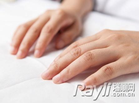 女性养生:5个小窍门保养手指甲