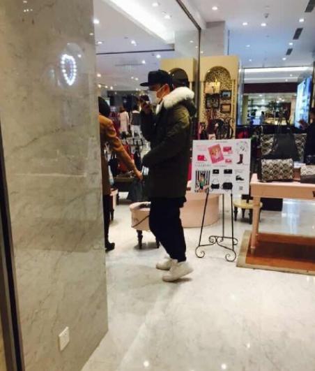 王姓男艺人曝陈赫离婚?