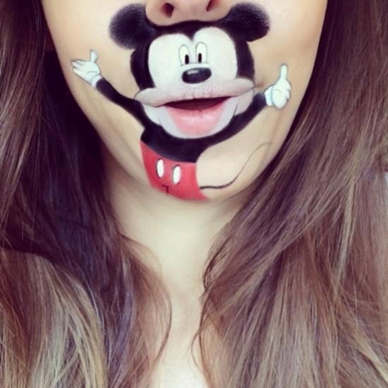 姑娘,你的嘴唇实在太有创意了!