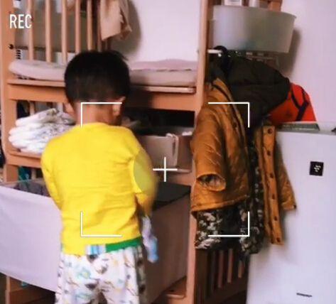 儿子翻抽屉扔衣服应采儿无奈:大哥你想怎样(图)