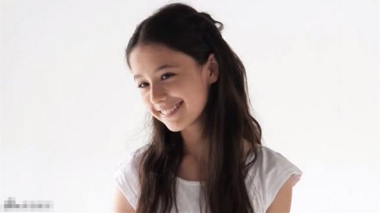 13岁日俄混血小萝莉走红 神似angelababy【6】