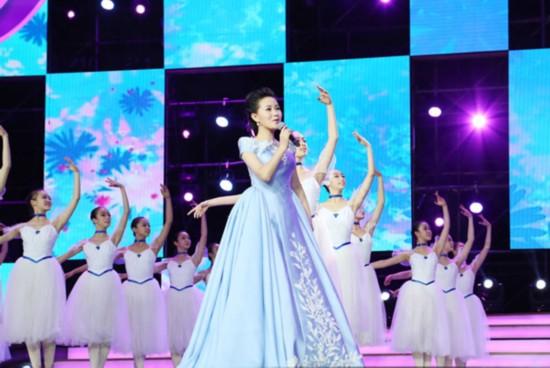1月29日),总政歌舞团著名歌唱家雷佳亮相东方卫视春晚《快鹿之夜