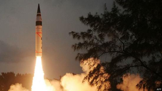 印度首次机动发射远程导弹射程覆盖中国和西欧