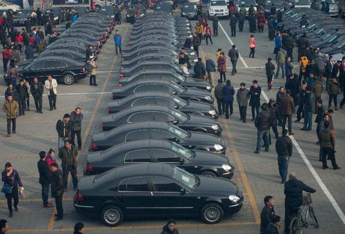 首批中央公车拍卖:部分车价格可比同款新车