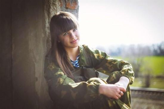 组图:俄罗斯美少女穿军装cospaly【10】