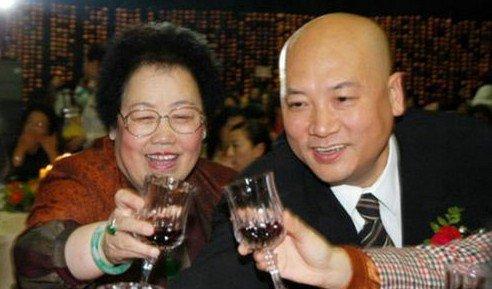 唐僧迟重瑞与妻子陈丽华