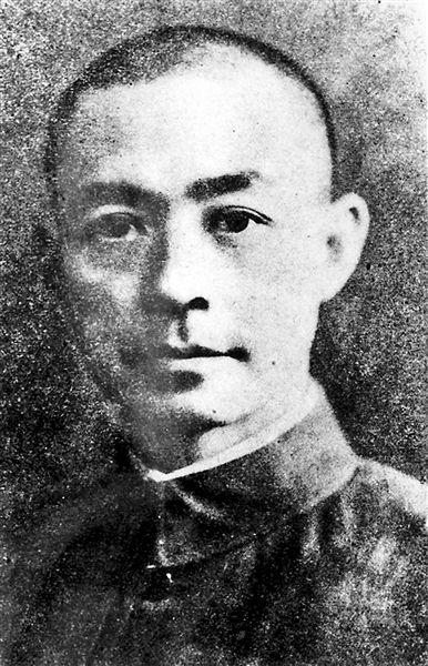 在北京只有三处以现代人物姓名命名的街道,即东城区的张自忠路和西城区的佟麟阁路、赵登禹路。这三位都是为国捐躯的抗日名将。