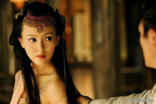 古装美女。当初《仙剑3》的紫萱可是让小八口水流了一地或者这样――