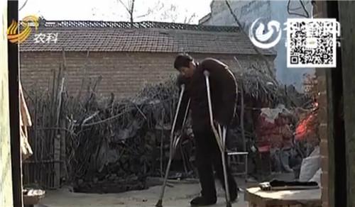 """""""徐大个""""身高2.35米。(视频截图)"""