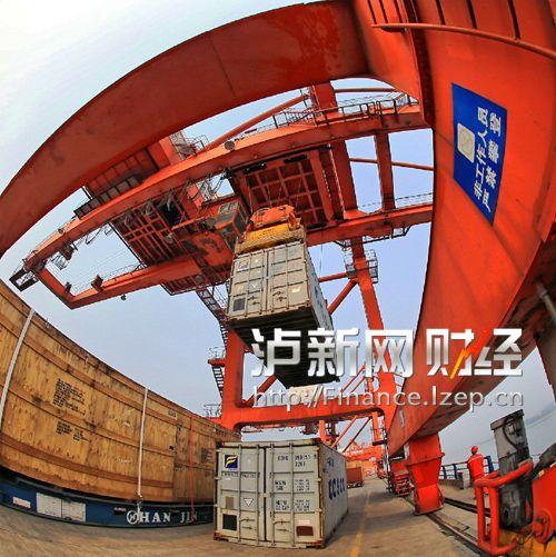 泸州港国际集装箱码头 (4)