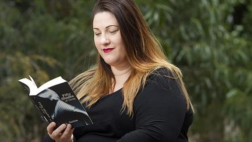 产后忧郁女子因情色小说重拾对爱情向往挽回婚姻