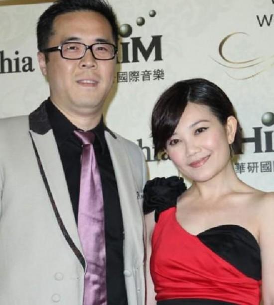 杨幂 张杰 梁静茹/今年才结婚的梁静茹并没有如网友猜测的嫁入超级豪门。