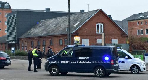 丹麦首都发生枪击案致1死3伤枪手仍然在逃(图)