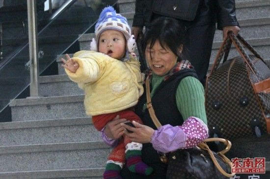 春运孩子:春运路上的组图(高清表情)表情v孩子高清包图片
