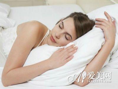 睡前做好10件小事 再晚睡都有水嫩好皮膚