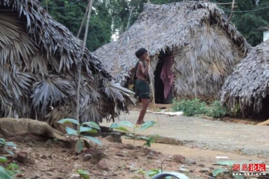 穿行破败不堪的印度农村【36】