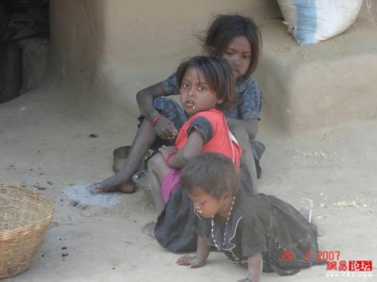 穿行破败不堪的印度农村【20】