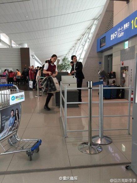一架飞重庆航班延误 因空姐购物未按时登机