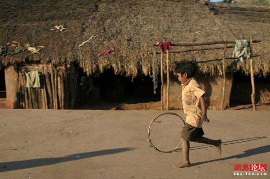 穿行破败不堪的印度农村【10】