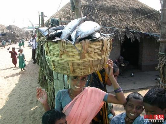 穿行破败不堪的印度农村【46】