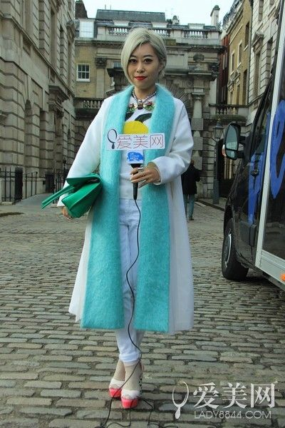 潮咖汇聚伦敦时装周 博主名人齐抢镜头