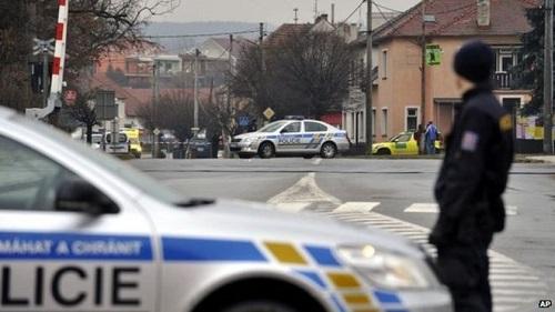 捷克餐厅发生枪击案8人丧生 枪手作案后自杀