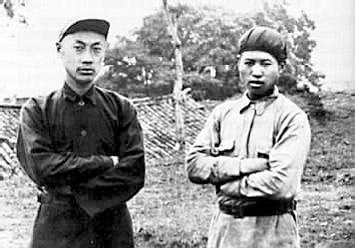 三年游擊戰爭中的陳毅(左)