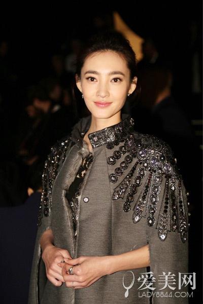 米兰Day1:王丽坤领衔 亚洲女星亮相秀场