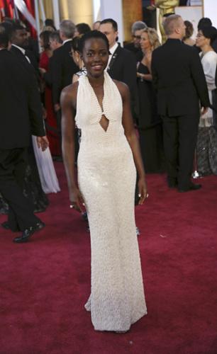 奥斯卡颁奖女星15万美元礼服遭窃镶6000颗珍珠