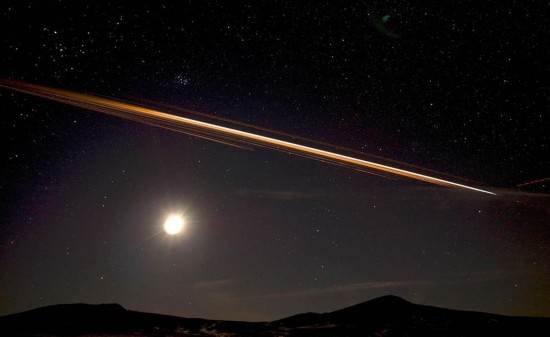 中国火箭碎片照亮美国西部夜空