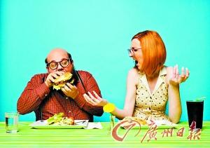 男女有不同的咀嚼模式 男人更爱狼吞虎咽