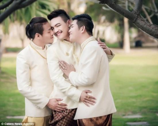 泰国三男v殿堂入殿堂婚姻称真爱换车阻挡图搞笑无法图片
