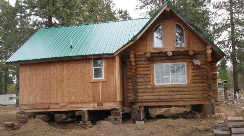 图为文中提到的木屋。