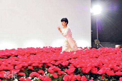 陈奕迅妻子谈女儿:望她将来做勇敢坚强的人(图)