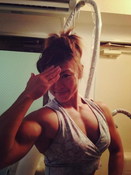 日本48岁最美女健身运动员肌肉与美貌兼得
