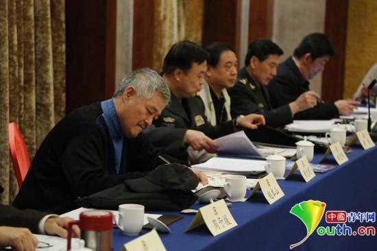 2014年全國兩會,文藝界小組討論會上的趙本山。中國青年網記者張炎良 攝