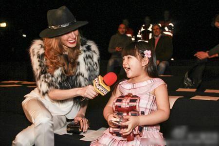 5岁王诗龄秀英文震惊外媒 专访李湘求问绝招